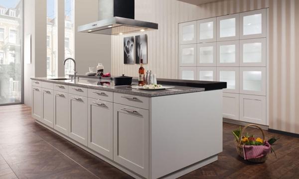 Rempp Sand Grey Shaker kitchen