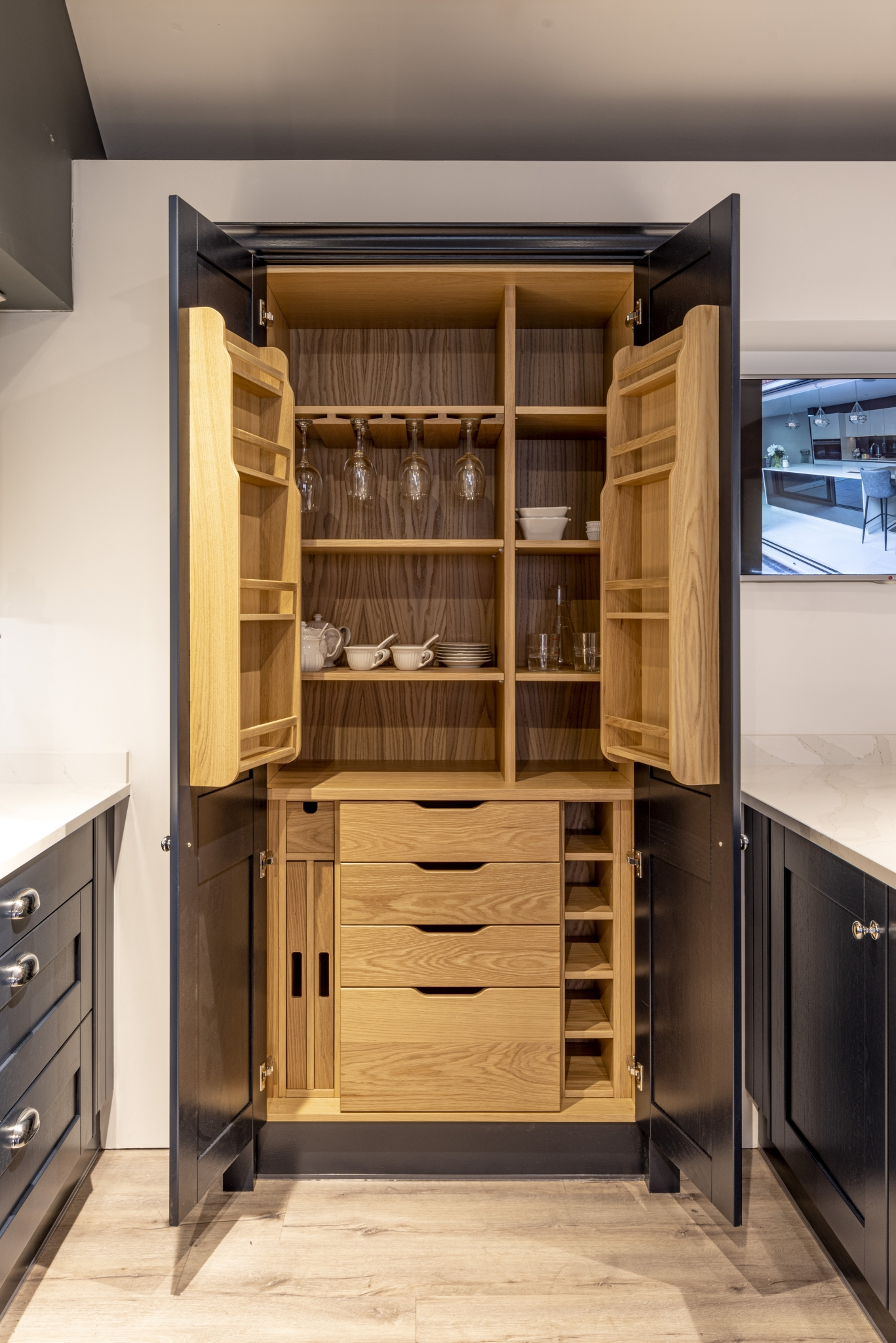 Butler's pantry storage